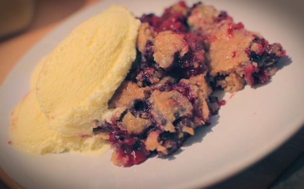cookie dough berry crumble